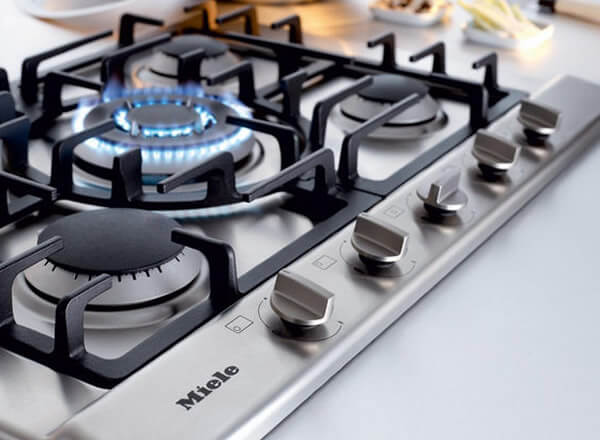 electric and gas hob cleaning
